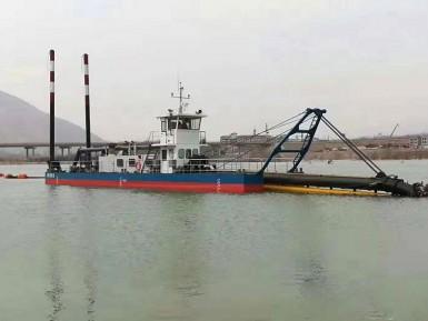 斗轮式挖泥船